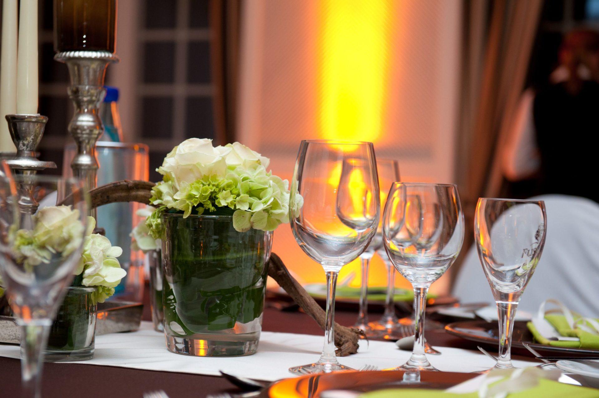 Ein schön gedeckter Tisch im Restaurant Giorgios