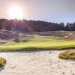 Der Golfplatz bei Wiesbaden GC Georgenthal bei strahlendem Sonnenschein