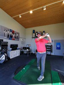 Golflehrer Richard Nömeier in Aktion