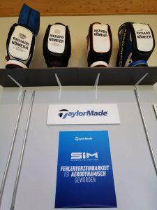 "Golfartikel der Marke ""Taylor Made"""